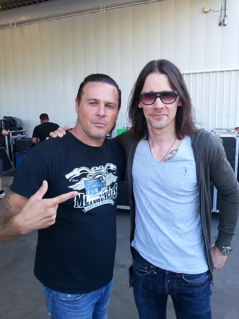 Ian K hanging for a photo with Myles Kennedy of Alterbridge in Toronto when they toured with Disturbed